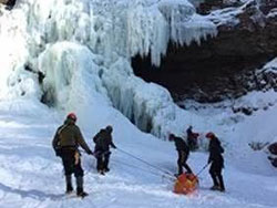 hikers trapped in middle basin of Kaaterskill Falls on march 7, 2019